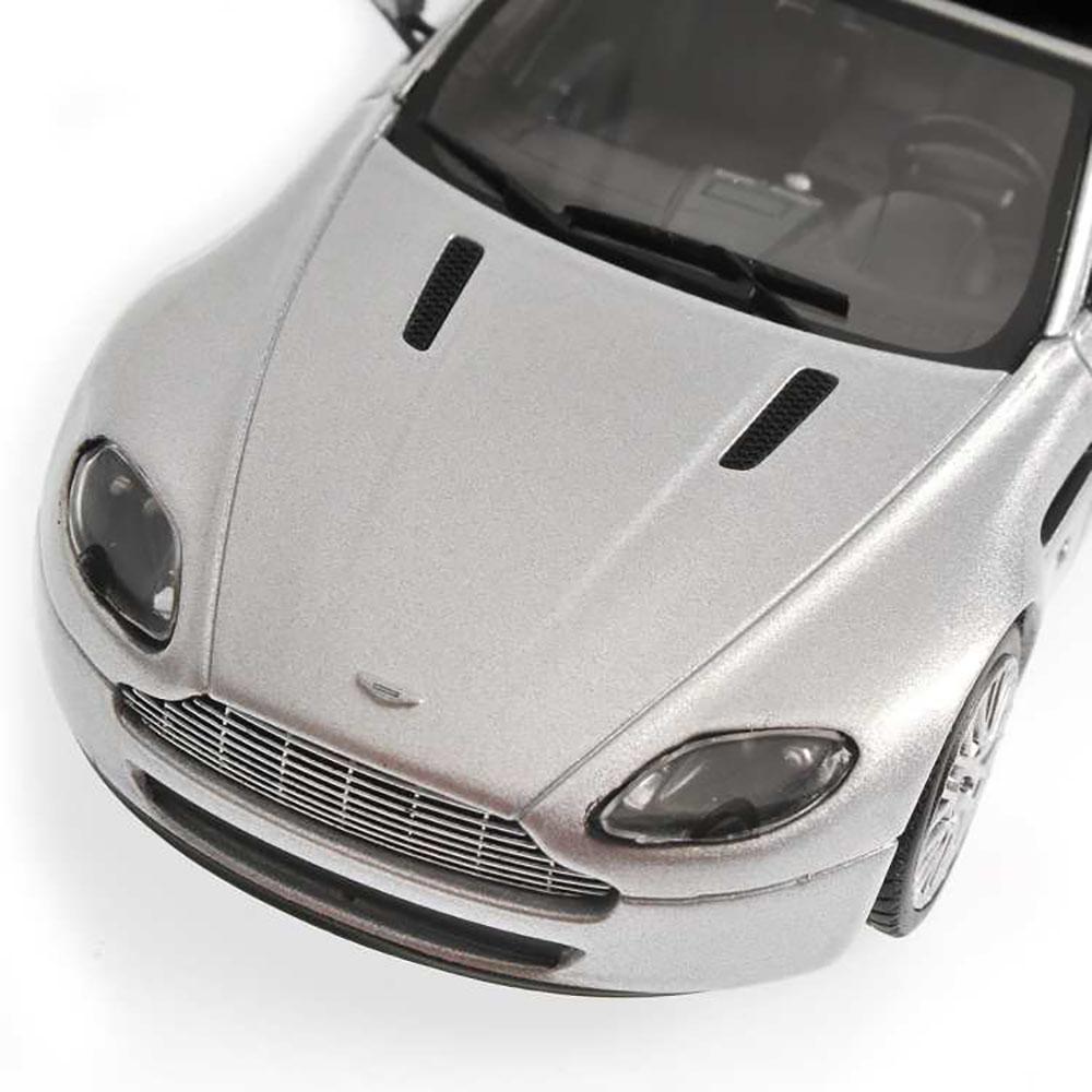 Aston Martin V8 Vantage Roadster 2009 Silver